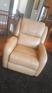 Like New Lift chair