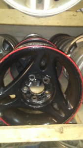 """MAG 15"""" 5X114.3 BLACK AND RED"""
