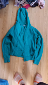 Girls sweaters size lg ( 12-14)