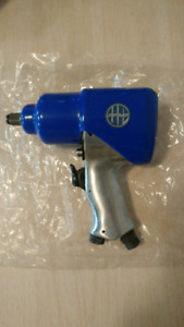 """New In Box 1/2"""" Pneumatic Impact Wrench"""