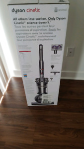 BRAND NEW IN BOX DYSON CINETIC ANIMAL  DC 77 VACUUM