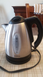 Excellent condition Sunbeam Stainless Steel Kettle, 1.7 L