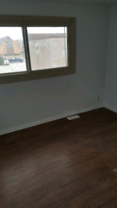 3 bedroom townhouse, available April 1