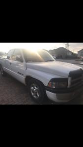 $1500 OBO 1996 Dodge Ram 1500 Pickup Truck