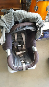 Graco stroller and car seat 2 bases.