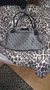 Black and Grey Guess Purse  Kitchener / Waterloo Kitchener Area image 2