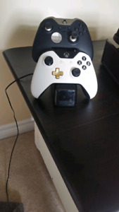 Xbox One, Monitor and Xbox One Elite Controller