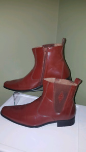 Brown Mens Boots size 7.