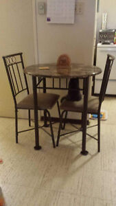 Table and chairs set come from teppermans