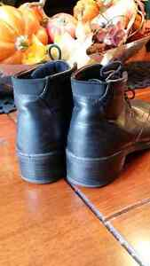 Ecco black leather booth style size 36  Cambridge Kitchener Area image 3