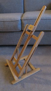 Artists Bamboo Tabletop Easel & x 4 Canvas.