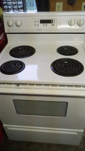 Very clean white maytag coil top stove