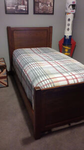 SOLID OAK TWIN / STANDARD BED - EXCELLENT