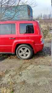 Jeep patriot 2008 parting out!!!!!!!! London Ontario image 3