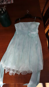 SELLING: Le Chateau Grad Dress in Mint