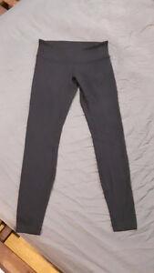 Lulu Lemon Yoga Pant size 8 mid rise
