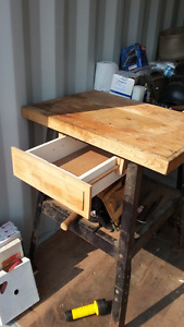 TOOL STAND WITH DRAWER AND SHELF
