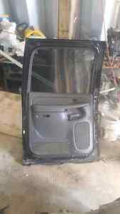 Doors from Chevy avalanche will fit 2003 to 2006 Kingston Kingston Area image 4