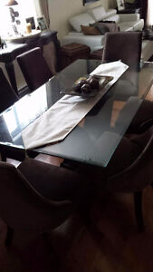 Table and 6 chairs $590 Value $2500