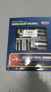 Non Slip Sports Manual Car Pedal Cover Set of 3pcs XB-373 silver