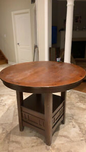 Counter high extendable kitchen table (for stools)