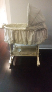Excellent condition Bassinet (with five sheets)  AND Baby Saucer