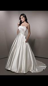Beautiful Ella Rosa Wedding Dress