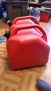 Two 20L gas containers
