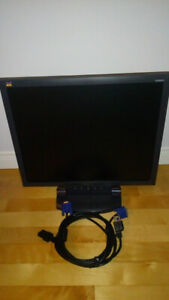 Moniteur View Sonic 19''