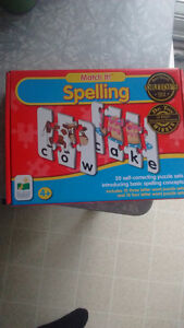 Spelling puzzle game, like new