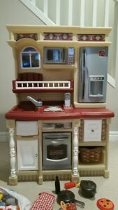 Step 2 Play Kitchen Lifestyle Collection