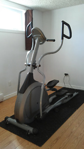 Elliptique Vision Fitness X6200