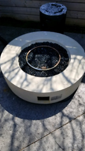 Outdoor firepit for sale. (Propane)