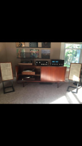 LOOKING FOR VINTAGE STEREO GEAR RECORD PLAYERS SPEAKERS ETC
