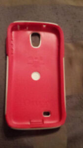 BRAND NEW Otterbox case for samsung s4