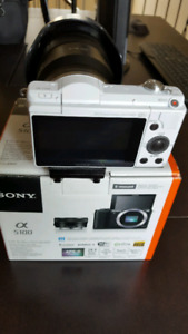 SONY A5100, BODY ONLY, DIGITAL CAMERA, MIRRORLESS, LIKE NEW!!