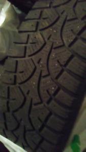 4 pneus d'hiver 15 po.   100$