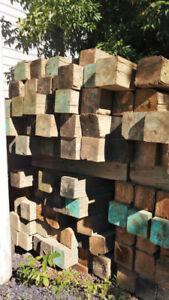 Poutres de bois, bloc en pruche