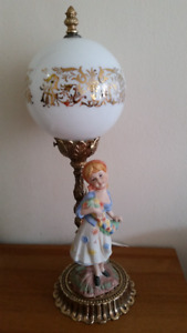 table lamp, vintage, with statue - L&L WMC