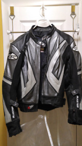 Ladies Joe Rocket full leather jacket size small with vents
