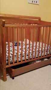 Crib with drawer underneath
