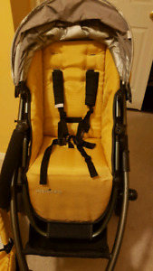 Uppababy vista stroller and bassinet