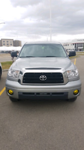 2007 Toyota Tundra SR5 With Tow Package (Amazing camping truck)