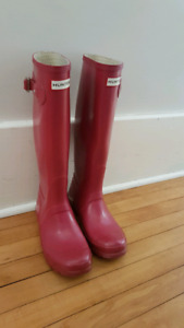 Size 7 pink Hunter Boots 9/10 condition