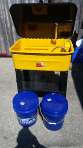 20 Gallon Parts Washer with Pump with 2 - 5 gal pails of solvent