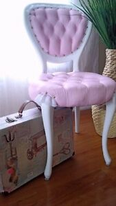 very beautiful pink accent  chair Kitchener / Waterloo Kitchener Area image 2
