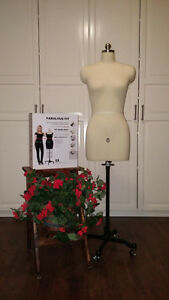 Adjustable Dress Form/Sewing Mannequin + Size Adjustment System