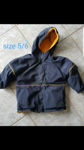 Boys winter coat size 5/6