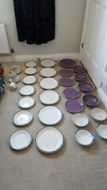 30 pieces of crockery