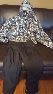 Boys Ripzone X5 Snowboard Jacket Size  XL, with QuickSilver Pant